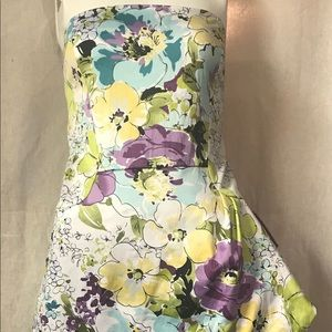Alyn Paige floral strapless mini dress 11/12